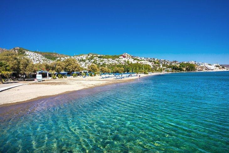 Faceți plajă pe plajele peninsulei Bodrum