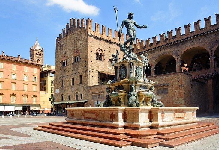 Piazza Maggiore și Piazza del Nettuno