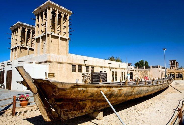 Explorează cultura locală în satul de patrimoniu și scufundări