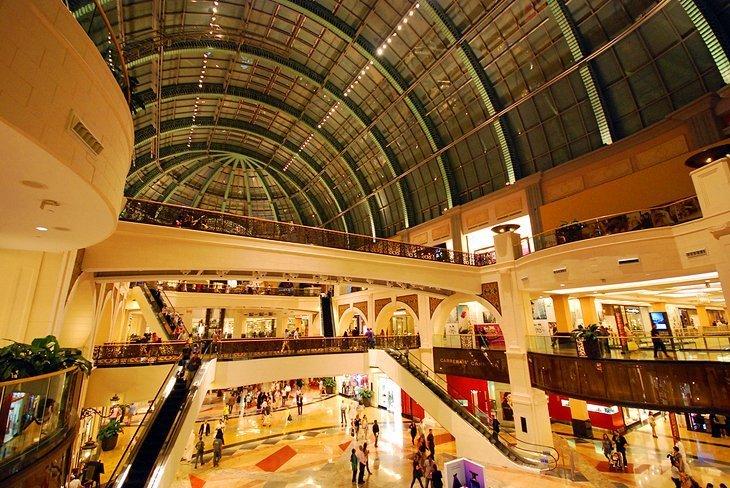 Schiază apoi cumpără la Mall of the Emirates