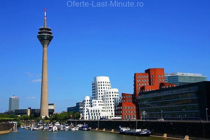 Düsseldorf-Hafen și Neuer Zollhof