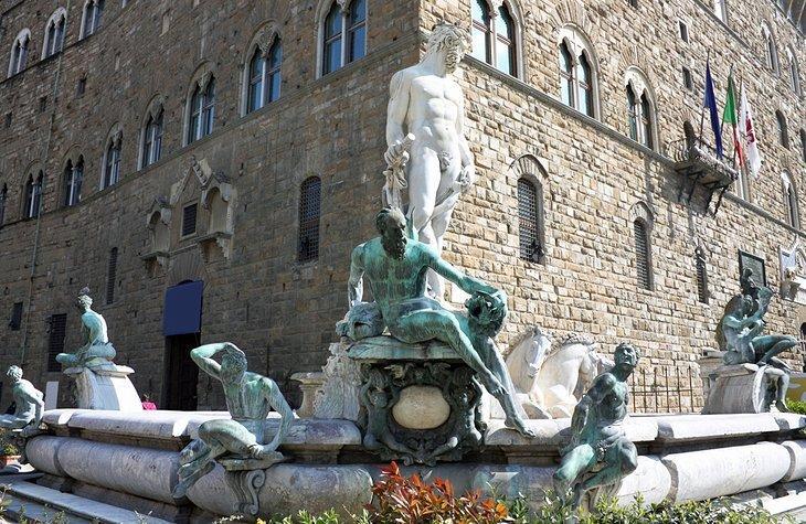 Piazza della Signoria și Loggia dei Lanzi
