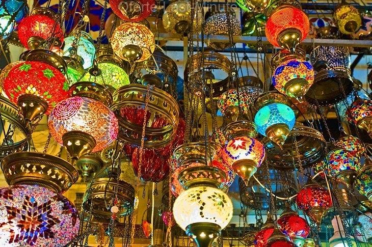 Marele Bazar (Kapalı Çarșı)