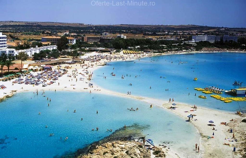 Plajele din Golful Agia Napa