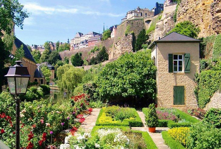 Zidurile Cornichei, orașul Luxemburg