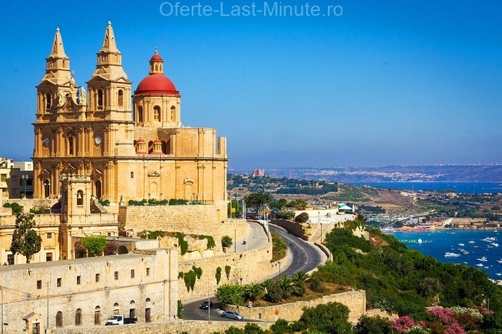 Charmul pe litoral din Mellieha, insula Malta