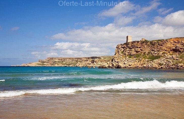 Golful Ghajn Tuffieha și plajele Gnejna Bay, insula Malta