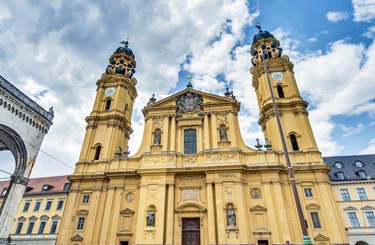 Biserica teatrală Sf. Cajetan