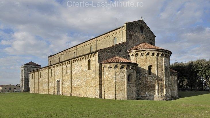 Bazilica Romanica din San Piero si Grado