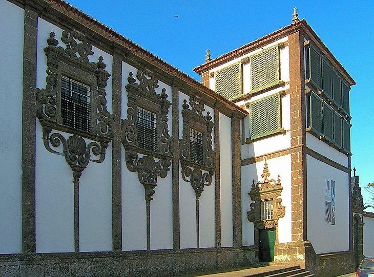 Muzeul Carlos Machado-Núcleo de Arte Sacra
