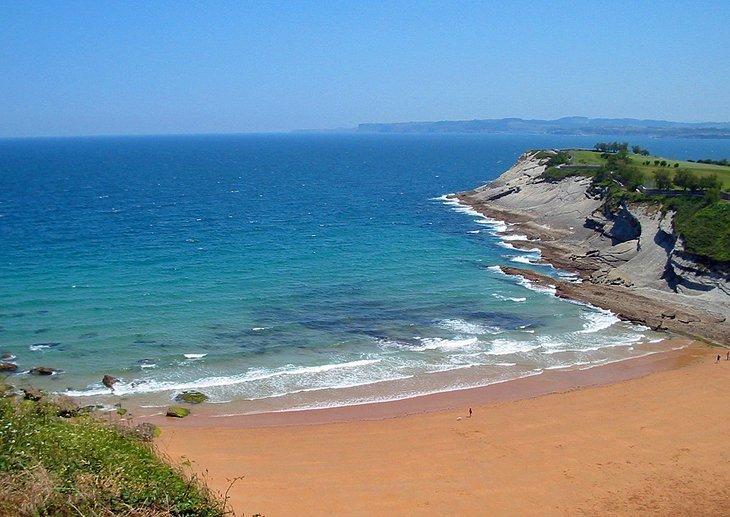 Plaje liniștite în Puerto Chico