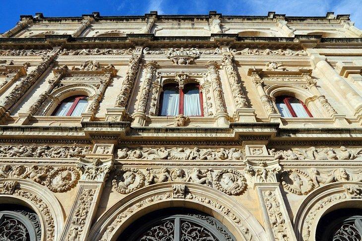 Ayuntamiento (Primărie)