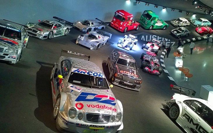 Muzeul Mercedes-Benz