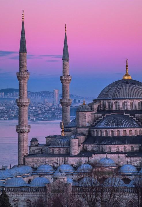 Zboruri catre Istanbul in luna Decembrie (inclusiv de Craciun si Revelion) – 99 EUR, dus-intors