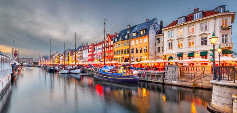 Despre Copenhaga (Danemarca), cum ajungi, cand, perioade si atractii turistice