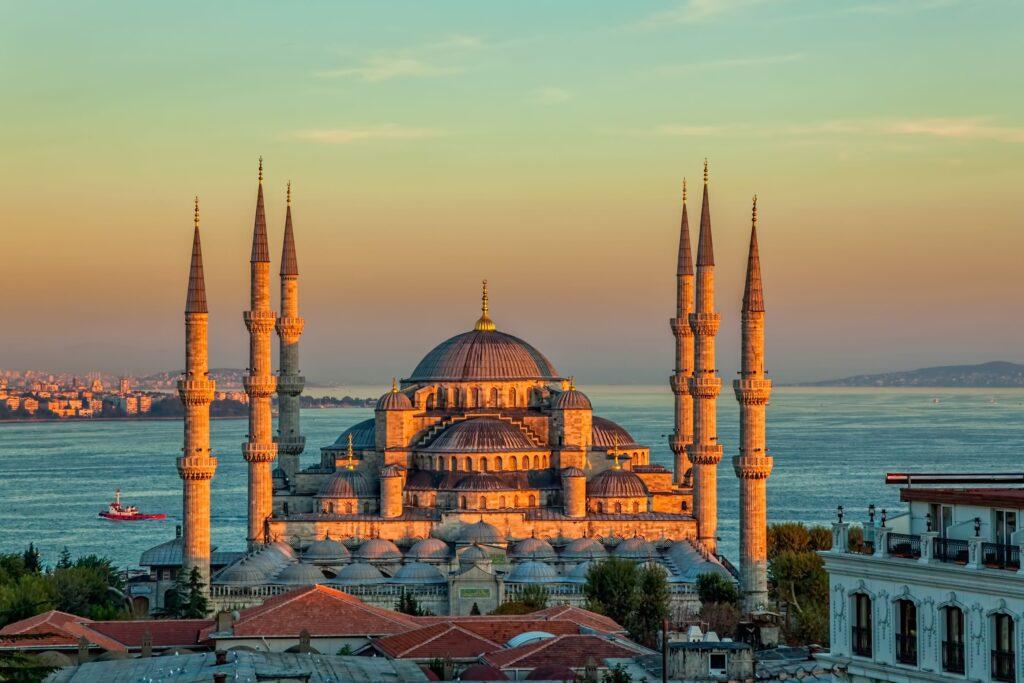 Despre Istanbul (Turcia), cand sa mergi, perioade bune si atractii turistice