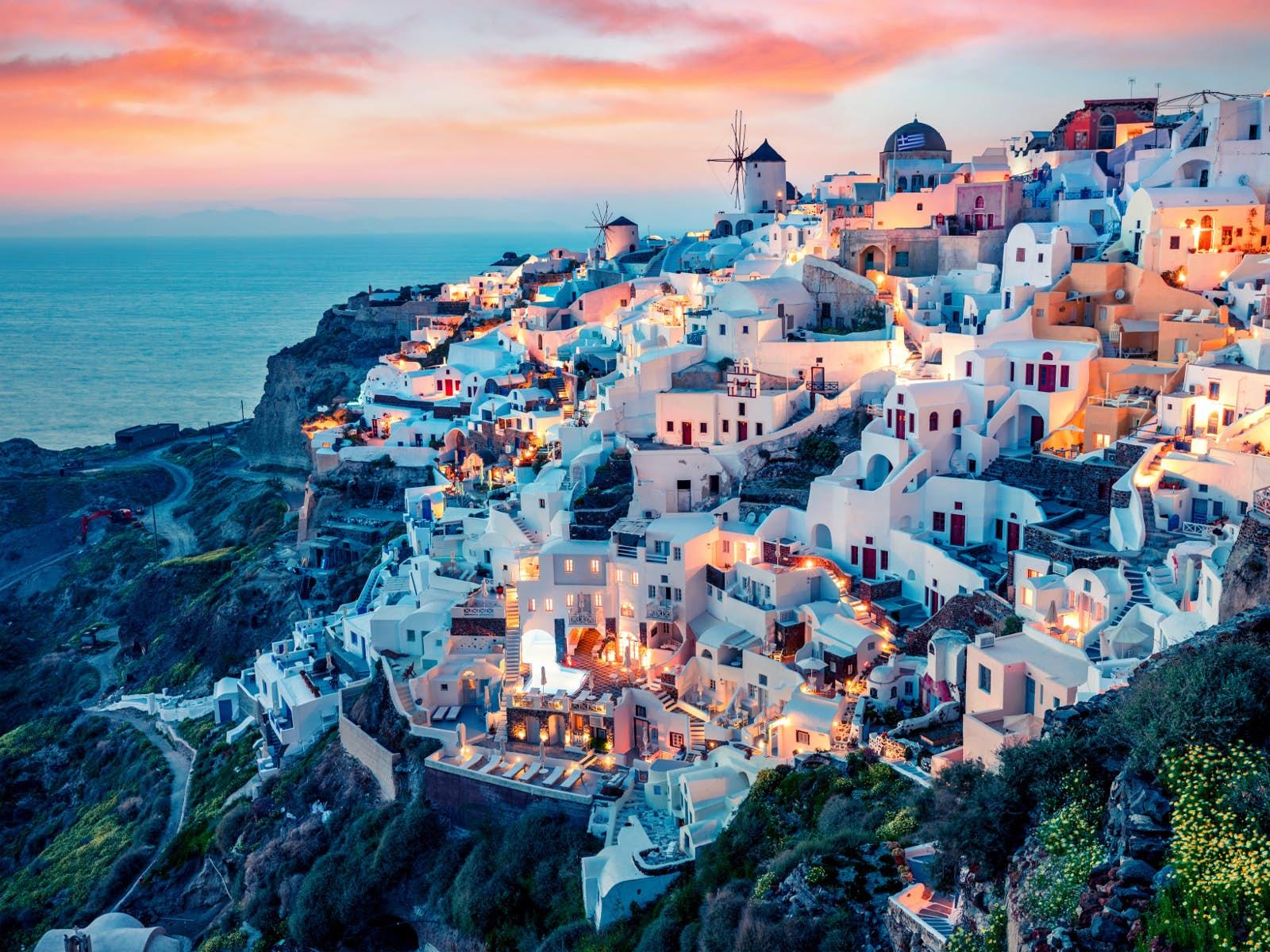 Zboruri Bucuresti – Santorini, Grecia – Aprilie 2021 – 189 lei (dus-intors)