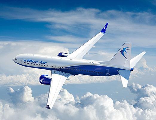 Blue Air: Zboruri de la 3 EUR/sens cu Blue Benefits cu plecari din Bucuresti, Bacau, Cluj – PROMOTIE