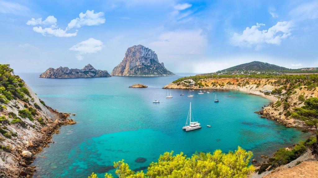 Vacanta ieftina in insula de lux Ibiza,Spania – 276 euro (zbor + cazare 7 nopti) – IUNIE