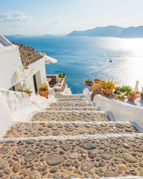 Vacanta Santorini – de la 204 euro –  zbor + cazare la hotel de 4*