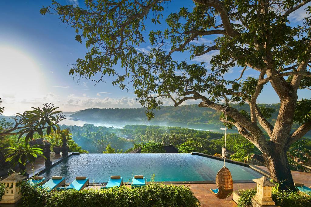 Hotel de 4 * Nusa Lembongan, Indonezia la doar 18 euro / noapte!