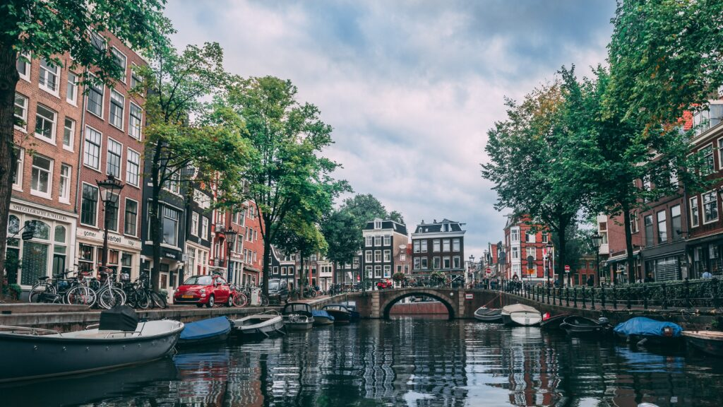 City break de vara in Amsterdam, Olanda! 122 euro ( zbor si cazare 3 nopti)