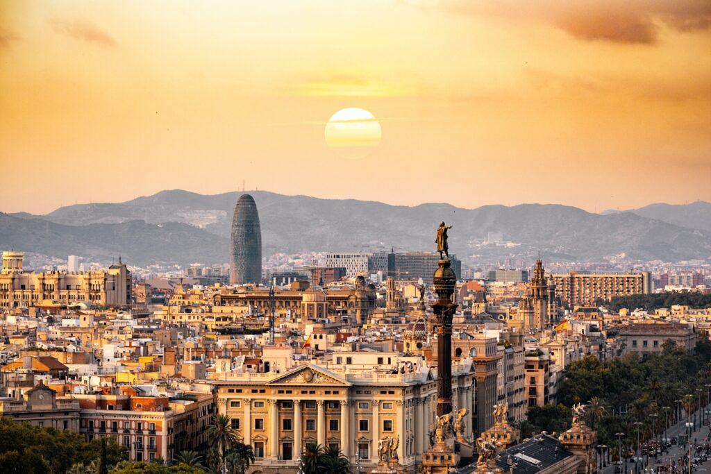 Despre Barcelona (Spania), cand sa mergi, perioade bune si atractii turistice