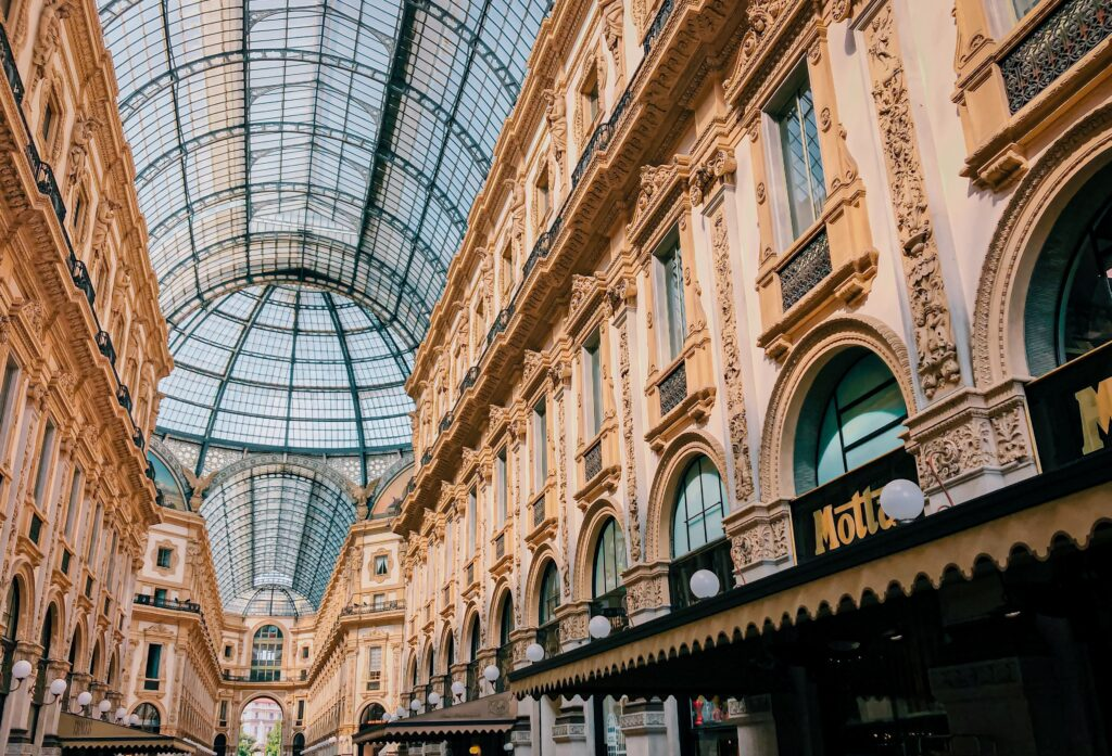 Zboruri foarte ieftine catre Milano, Italia! 28 euro (dus-intors) in Septembrie